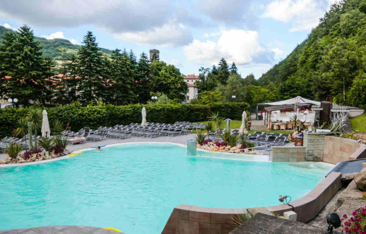 Annunci gratuiti CambioBiglietto.it - Ròseo Hotel Euroterme Lusso x2